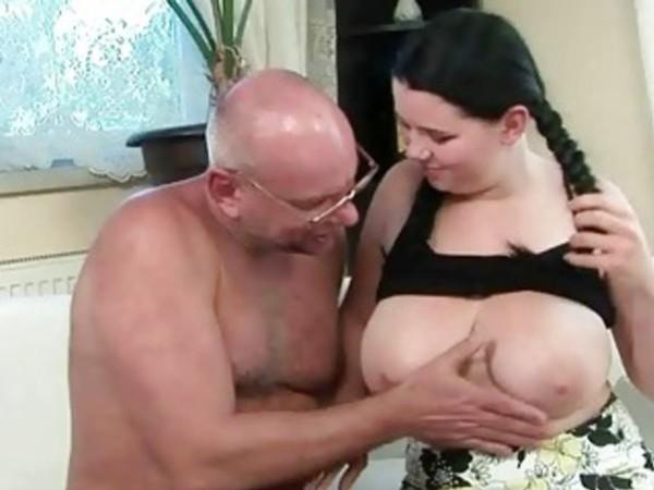 Старик сосет грудь девушке смотреть онлайн #15